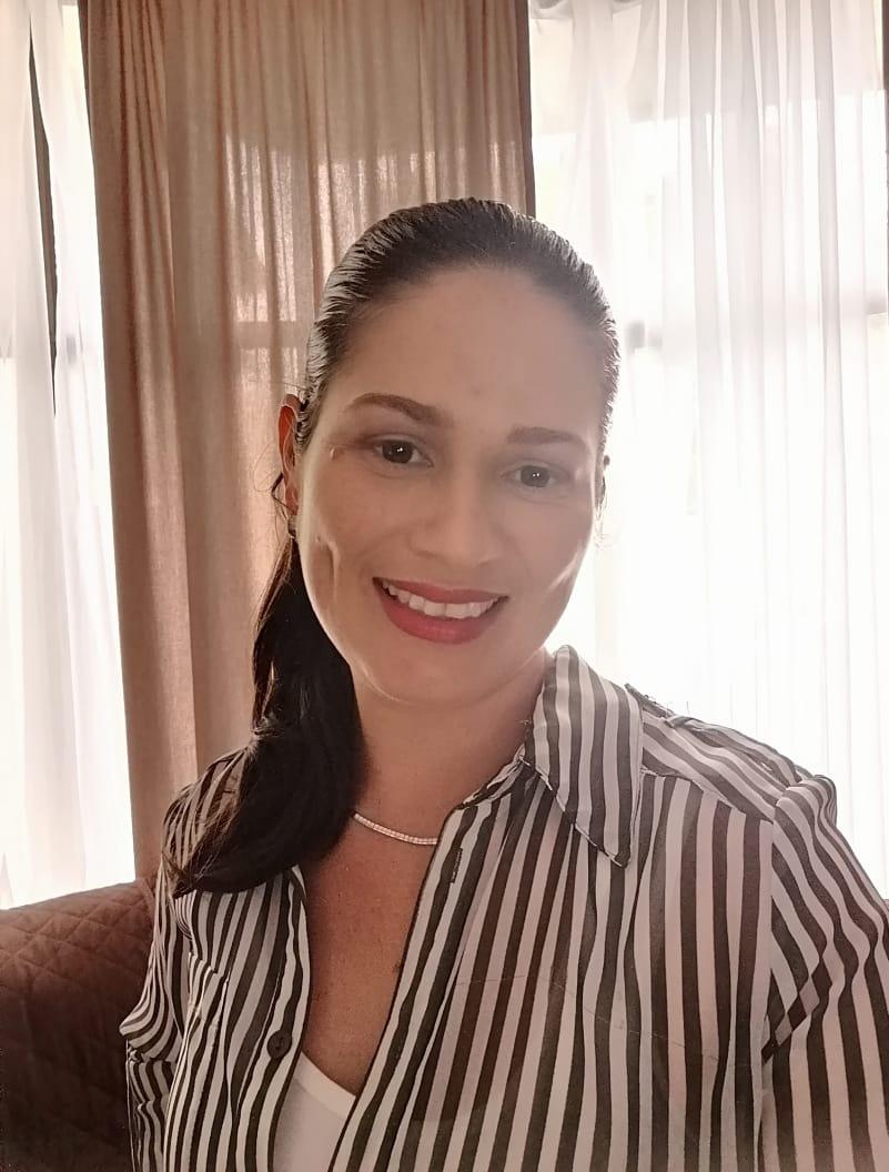 Flor Fernández. Profesora de American English For Business